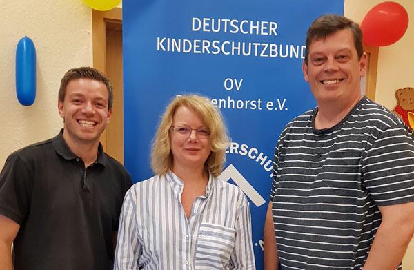 Deniz Kurku eim Kinderschutzbund mit Petra Behlmer-Elster und Jörg Bernhardt
