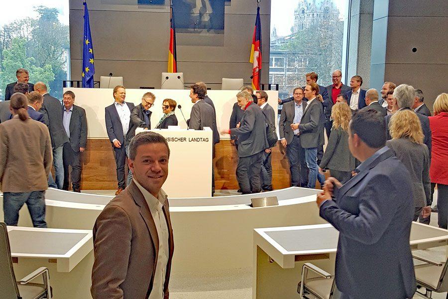 Deniz Kurku im neuen Plenarsaal