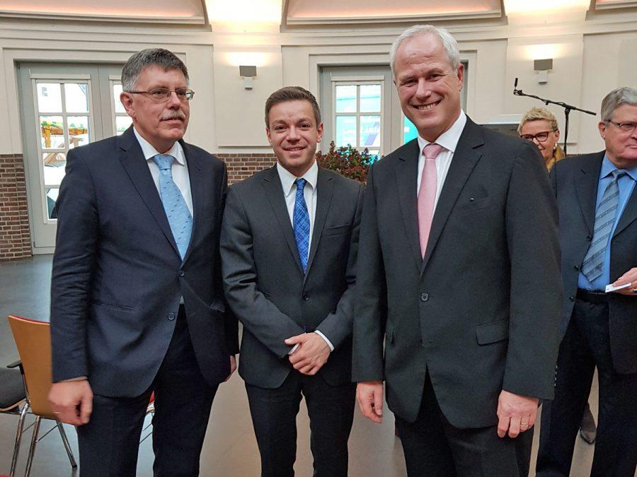 Deniz Kurku mit Hanspeter Teetzmann und Dr. Detlev Lauhöfers