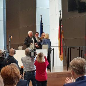 Gratulation nach der einstimmigen Wahl von Gabriele Andretta