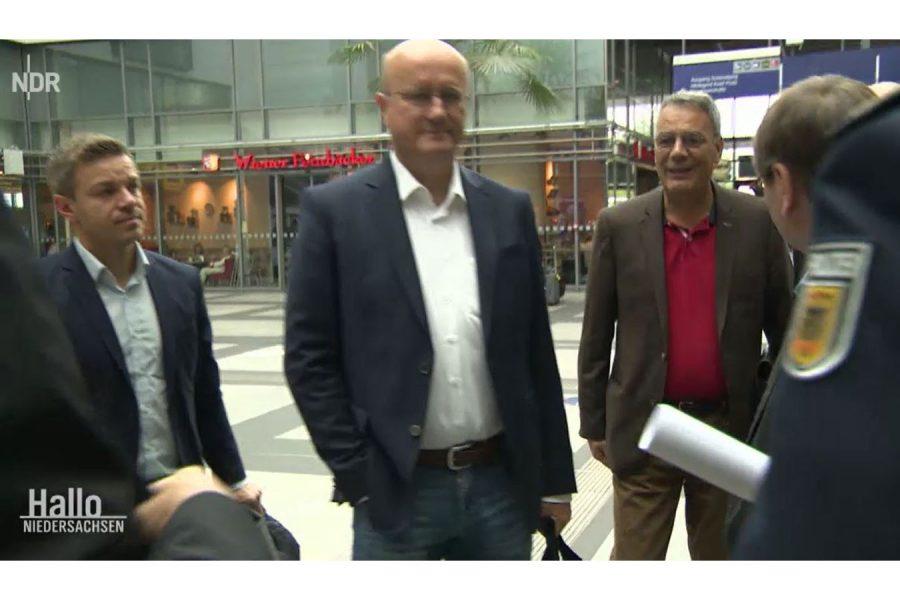 Abgeordnete besuchen Berlin Südkreuz